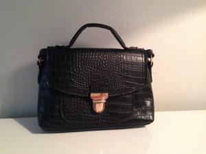 Trendy Mini-Bag in schwarz mit Krokoprägung von Accessorize