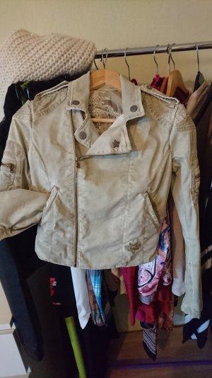 Trenne mich schweren Herzens von meiner Diesel Jacke