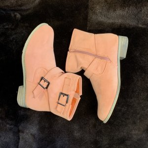 Booties salmon-apricot leather