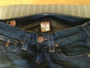 True Relgion Jeans mit Schmuckknöpfen
