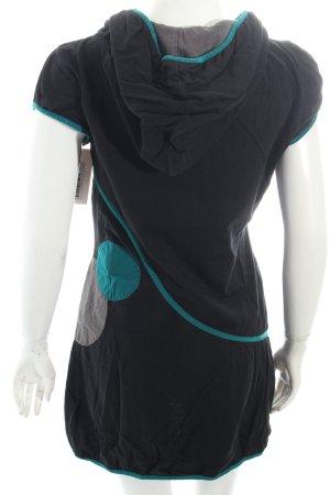 True Religion Skinny Jeans dunkelblau Street-Fashion-Look