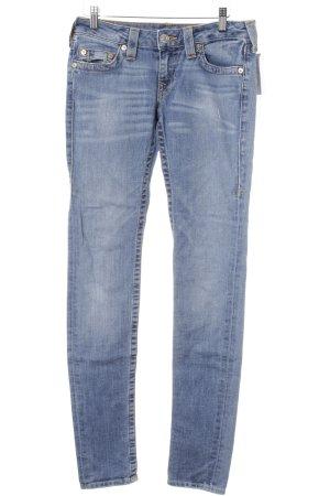 True Religion Slim Jeans himmelblau-stahlblau Street-Fashion-Look