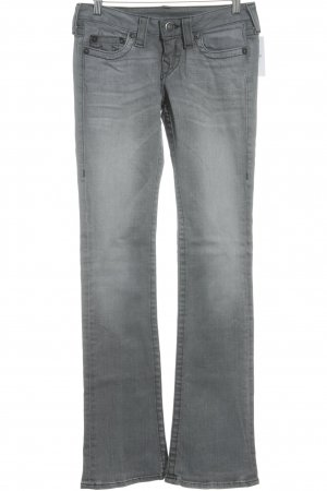 True Religion Straight-Leg Jeans grau Street-Fashion-Look