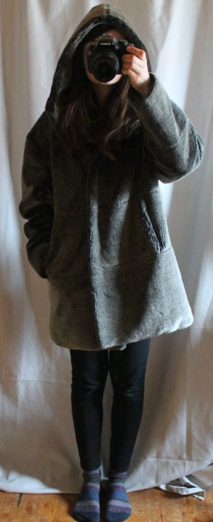 True Vintage grauer fake fur oversized Mantel mit Kapuze