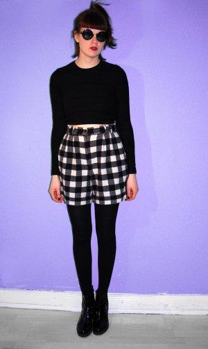 true vintage high-waist karierte shorts wolle schwarz weiß / sievers