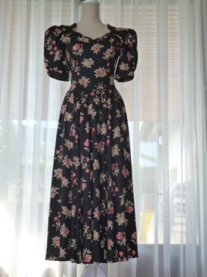 True Vintage: Laura Ashley Kleid, Romantik-Stil, Princess-Dress Gr. 36