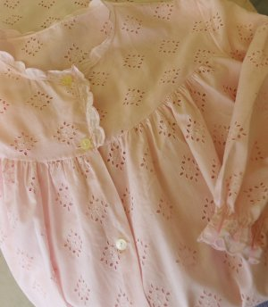True Vintage Nachtkleid Zart Rosa Größe M 38 Rose Lochstickerei Stickerei Lang Nachthemd Rüschen Morgenkleid Kleid Hemd Zofe Hochzeitsnacht Shabby Romantisch