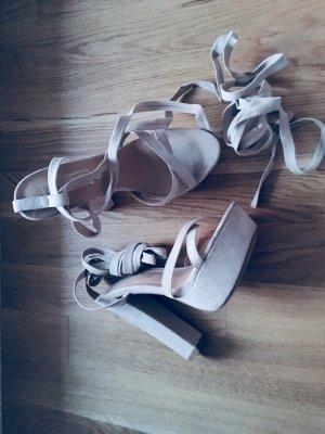 Truffle Collection – Plateausandale mit Absatz und Knöchelschnürung - Asos