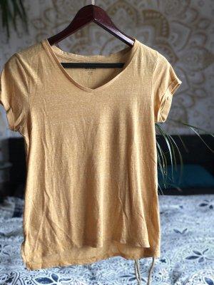 Camisa con cuello V amarillo claro