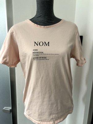 Tshirt in Hellrosa mit Print auf der Vorderseite