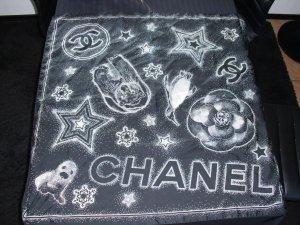 Tuch von Chanel aus 100% Seide