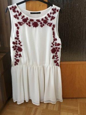 Tüll Kleid mit Bestickung