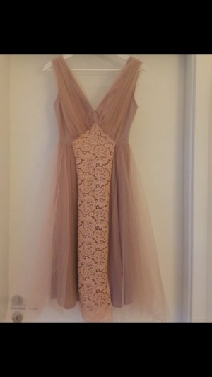 Asos Robe de cocktail rose chair