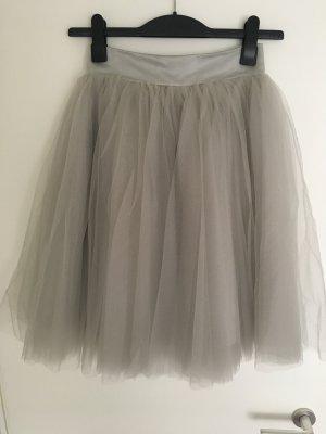 Falda de tul gris claro