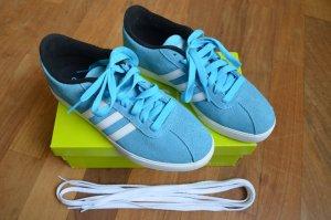 Türkis-blaue Sneaker * neu *
