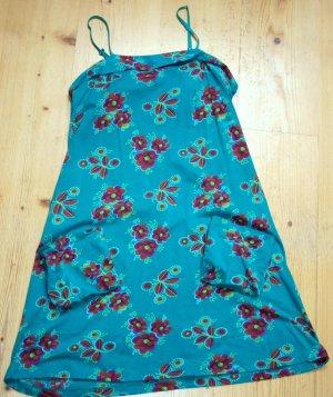 Türkisblaues Sommerkleid mit Blumenmuster von Indiska