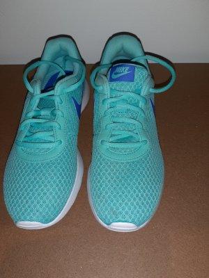 türkisene Nike's