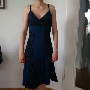 Türkises, festliches Kleid