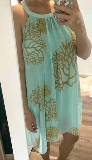 Türkises Kleid