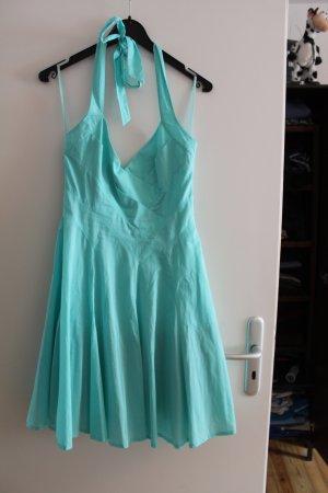 Türkises Neckholder-Kleid