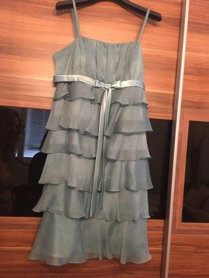 Türkises neues Kleid