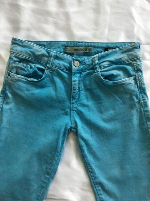 Türkisfarbene Jeans von ZARA