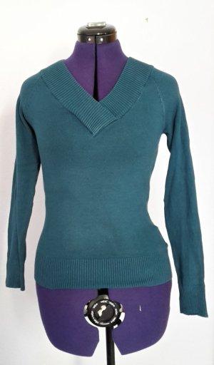 Türkisfarbener Pullover