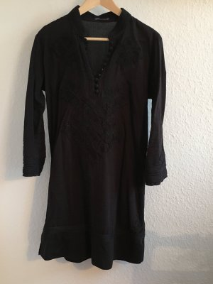 Tunika Bluse mit Stickerei