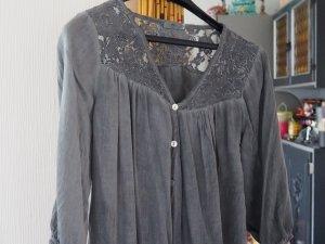 Tunika oder Bluse mit Spitzen