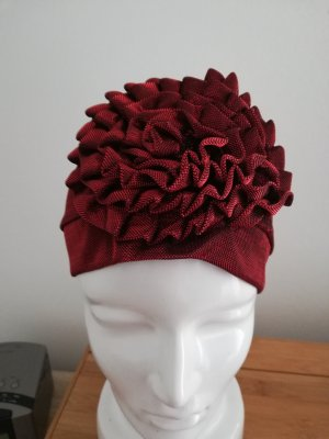 Bonnet rouge carmin
