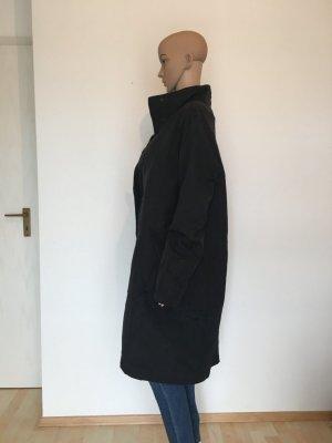 Turnover Luxus Designer Mantel stehkragen gefüttert leicht Fleece innen Reißverschluss schwarz matt glänzend zeitlos klassiker minimalistisch