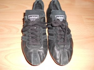 Turnschuh adidas Okapi schwarz