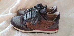 Turnschuh / Designer Sneaker