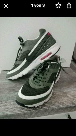Nike Lace Shoes khaki