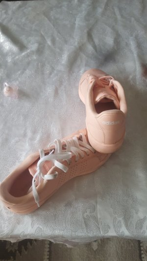 Adidas House Boots rose-gold-coloured