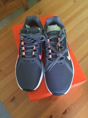 Nike Sneakers met veters taupe-zalm