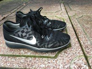 Turnschuhe nike free Tr fit 5 40,5 Silber Sport Schuhe schwarz sneaker