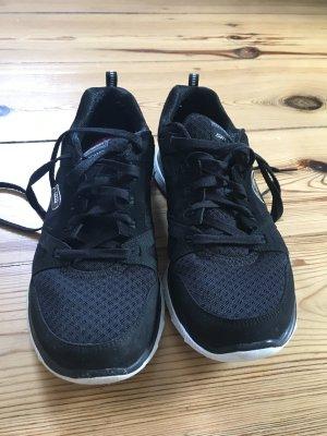 Turnschuhe Skechers schwarz