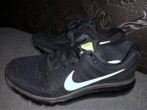 Nike Sneaker stringata nero-oro