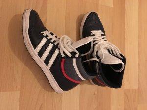 Turnschuhe von Adidas in Größe 37