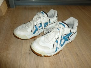 Asics Lace-Up Sneaker white-neon blue