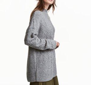 Turtleneck Pullover mit Zopfmuster grau