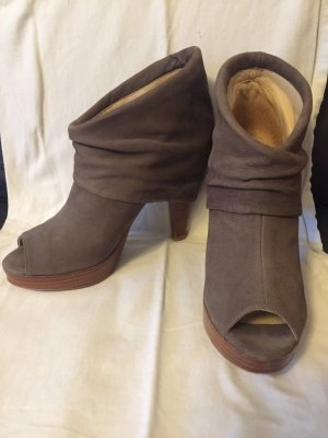 Tuva&Linn Peep Toe Booties beige-grey brown leather
