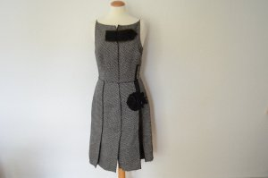 Tweed Kleid in Midi Länge mit applizierter Blume