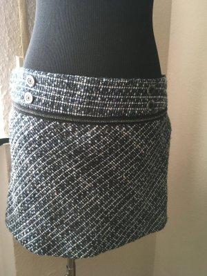 Tweed Minirock im Chanel Stil