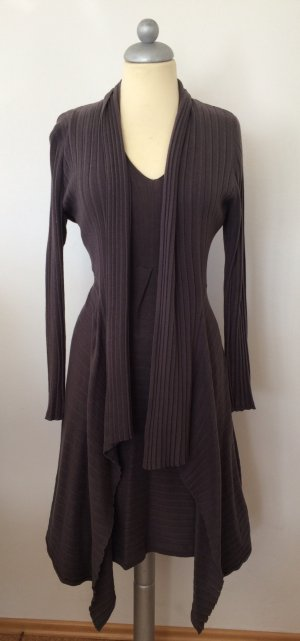 Twin-Set Strickkleid & Cardigan