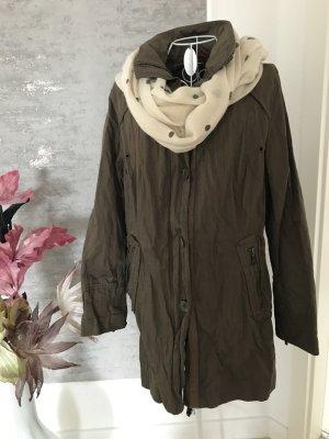 Übergangsjacke mit passendem Schal