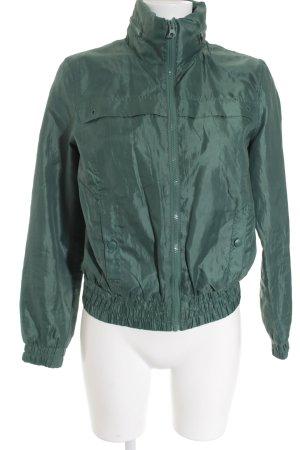 Übergangsjacke waldgrün Street-Fashion-Look