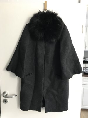 Übergangsmantel aus dunkelgrauem Wollstrick Zara