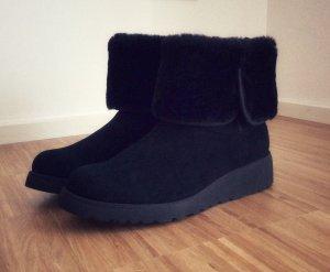 UGG Australia Snow Boots black suede